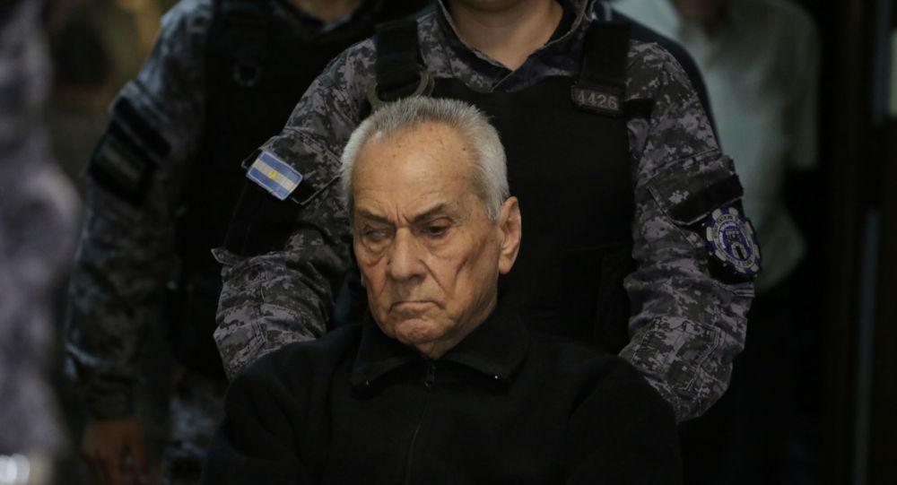 Arjantin'de işitme engelli çocuklara cinsel istismarda bulunan 2'si rahip 3 kişi hapis cezasına çarptırıldı.
