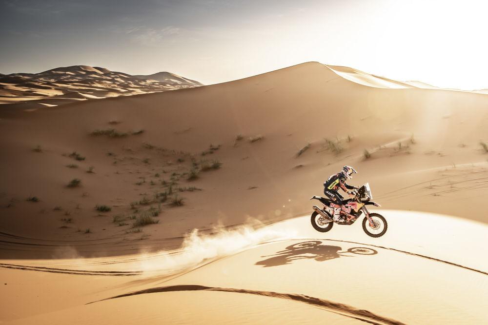 Otomobil yarışçısı Matthias Walkner, Fas'ta düzenlenen Rally Du Maroc yarışı sırasında.