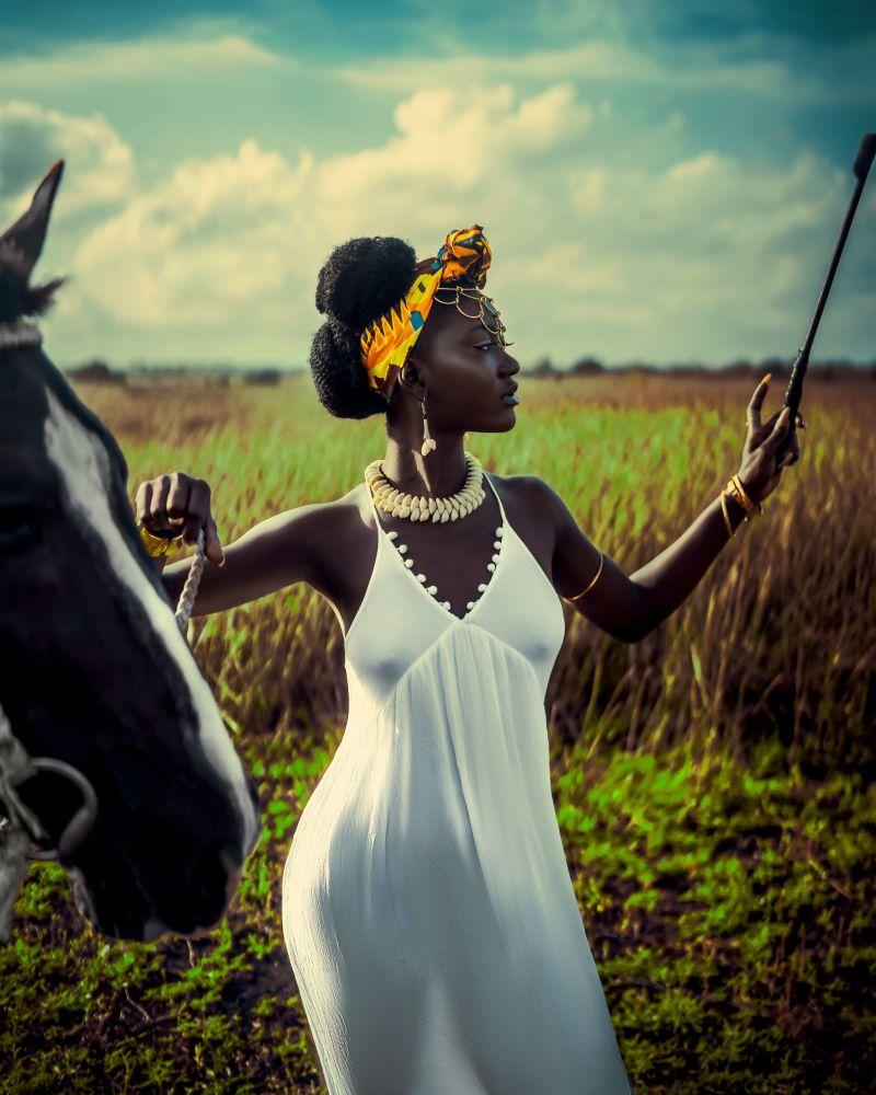 Yarışmaya katılan Gana'dan fotoğrafçının Yaa Asantewaa isimli çalışması.