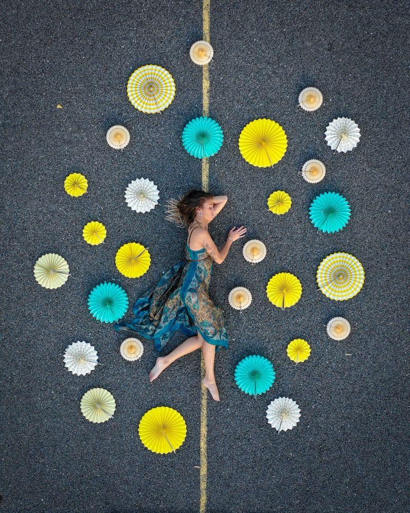 Dünyanın En İyi Moda Fotoğrafları Yarışması 2019'a katılan Monako'dan bir fotoğrafçının Flower dress isimli çalışması.