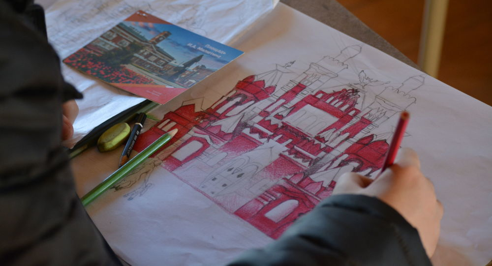 Yarışma kapsamında Türk çocuklar Rusya'yı resmetti.
