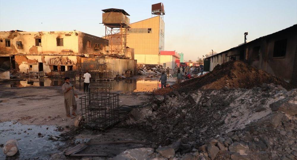 Sudan'ın Hartum Eyaleti'ne bağlı Kuzey Hartum kentindeki bir seramik fabrikasında meydana gelen patlamada 23 kişinin hayatını kaybettiği 130 kişinin de yaralandığı belirtildi. İtfaiye ekipleri, fabrikadaki yangını kontrol altına almaya çalıştı.