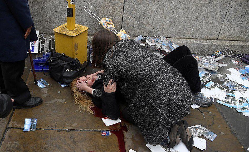 Melissa Cochran eşiyle 25'inci evlilik yıldönümünün kutlamak için Avrupa turundaydı. İngiltere'nin başkenti Londra'da Westminter Köprüsü'nde gezene kadar her şey normaldi.  Melissa'nın bakışlarında eşi Kurt ile birlikte üzerine doğru sürülen bir kamyonun yaşattığı şok duygusunu görmek oldukça kolay.  Halid Musa tarafından gerçekleştirlen terör saldırısında Musa, polis tarafından durdurulana kadar 5 kişiyi öldürmüştü.