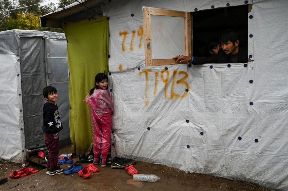 Midilli'de bulunan ve önümüzdeki dönemde kapatılacağı bildirilen Moria mülteci kampından bir kare.