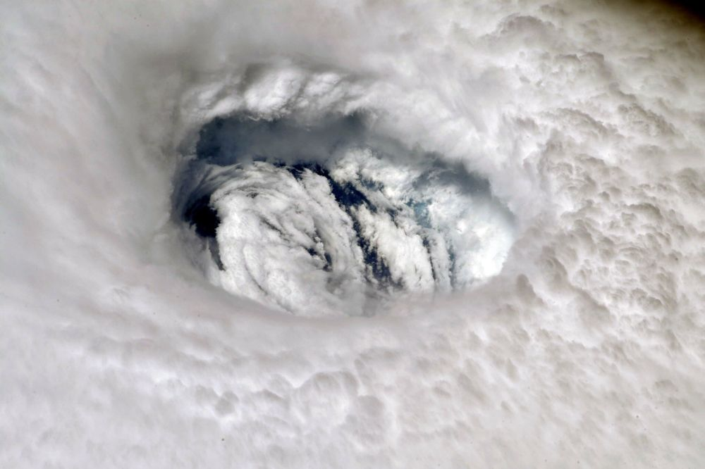 Uluslararası Uzay İstasyonu'ndan çekilen Dorian kasırgasının görüntüsü.