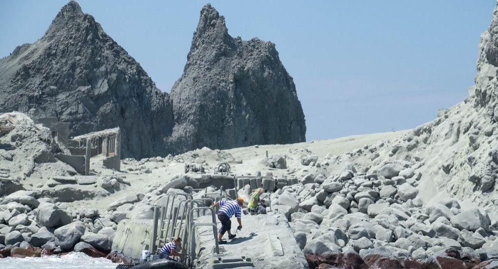 Yeni Zelanda'da meydana gelen volkanik patlamada can kaybı artıyor.