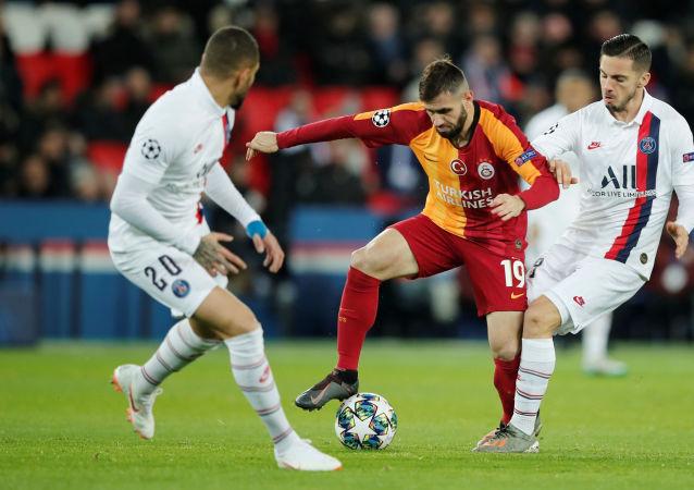 Galatasaray, UEFA Şampiyonlar Ligi'nde Paris Saint-Germain'e 5-0 yenilerek A Grubu'nu son sırada tamamladı