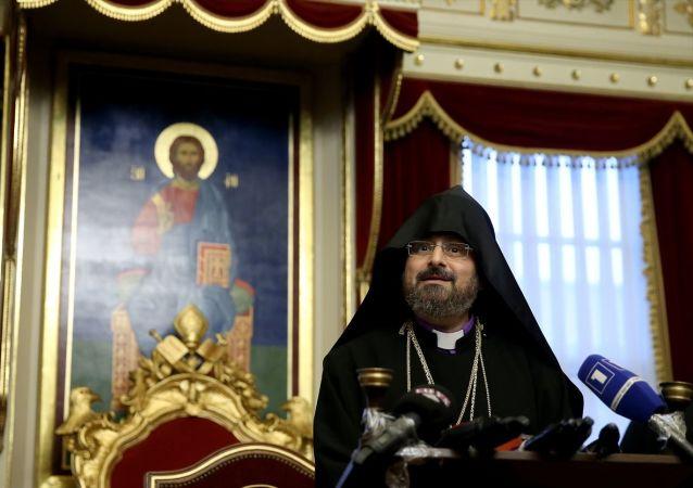 85. İstanbul Ermeni Patrikliğine Episkopos Sahak Maşalyan seçildi. Patrik Maşalyan Kumkapı Patrikliği'nde basın açıklaması yaptı.