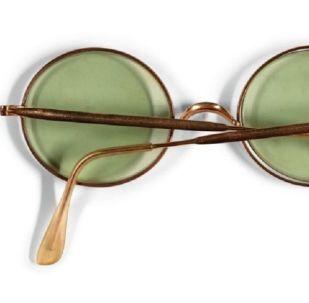John Lennon'un gözlüğü 170 bin Euro'ya satıldı