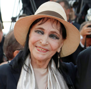 FILE PHOTO: 71st Cannes Film Festival - Opening ceremony and screening of the film Everybody Knows (Todos lo saben) in competition - Red Carpet Arrivals - Cannes, France, May 8, 2018 - Anna Karina arrives. REUTERS/Eric Gaillard/File Photo