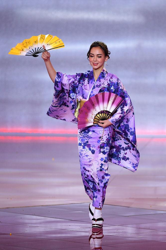 Miss Japonya  Malika Sera