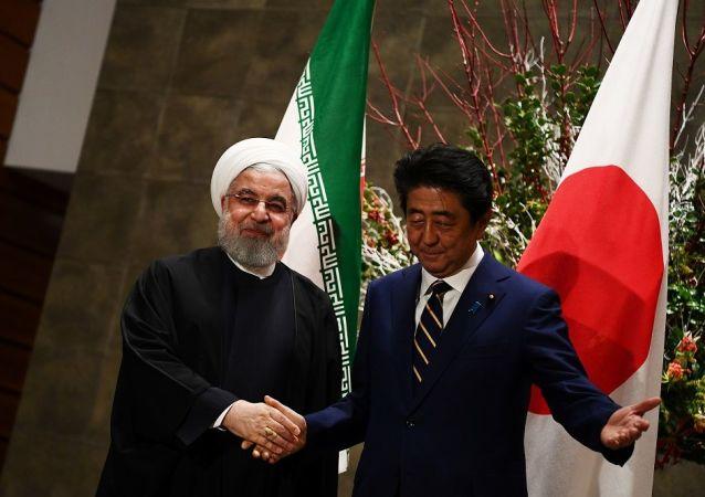 İran Cumhurbaşkanı Ruhani ve Japonya Başbakanı Şinzo Abe