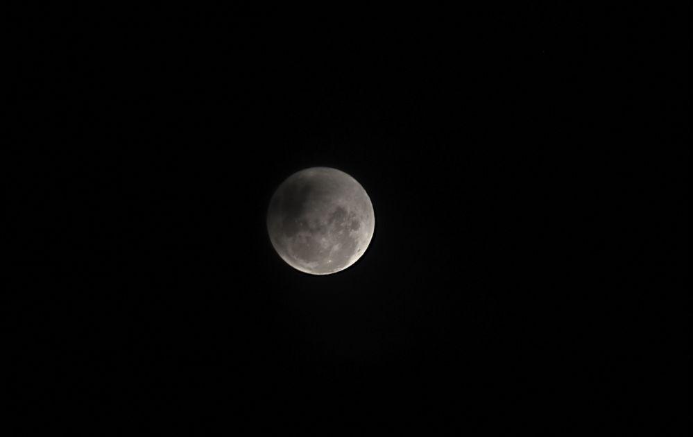 10 Ocak 2020 tarihinde gerçekleşen Kurt Ayı olarak tabir edilen Ay tutulması görüntüsü.