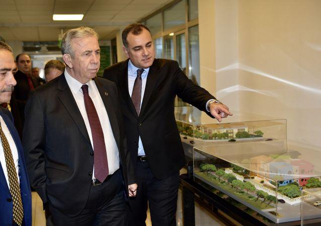 Ankara Büyükşehir Belediye Başkanı Mansur Yavaş, çeyrek asır sonra Çankaya Belediyesini ziyaret eden ilk Ankara Büyükşehir Belediye Başkanı oldu.