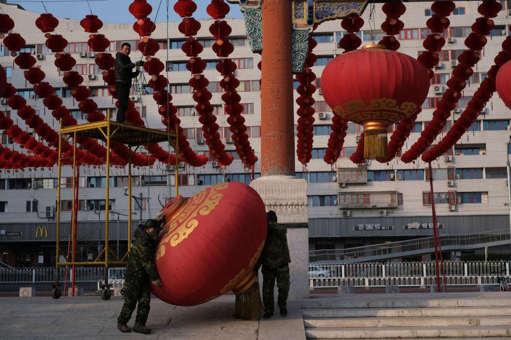 Çin'de hızla yayılan virüs salgını nedeniyle  Yeni Yıl kutlamaları iptal edildi.