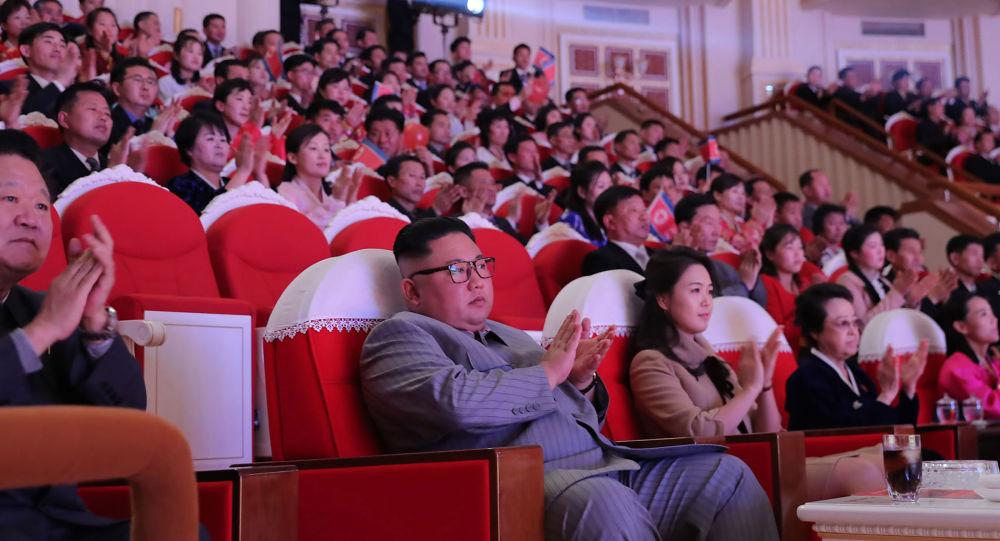 Kim Jong-un, eşi ve halası