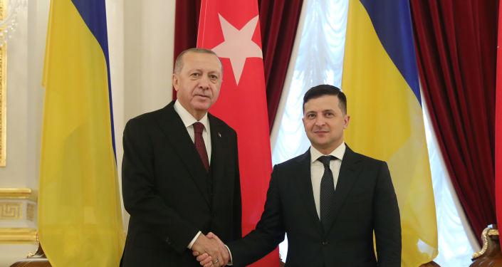 Zelenskiy Türkiye'de: Huber Köşkü'nde Erdoğan'la görüştü