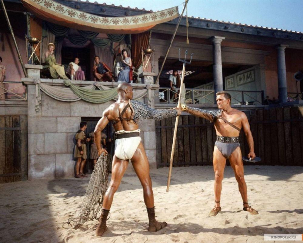 6 Oscar Ödülü kazanan ve Douglas'ı dünya çapında üne kavuşturan 1960 yapımı Spartaküs filminden bir kare.