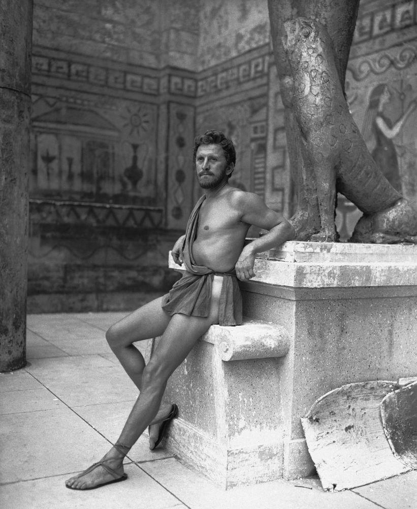 1955 yapımı Homeros'un Odysseia destanından uyarlanan epik Ulysses filminin başrolünde yer alan  Kirk Douglas.