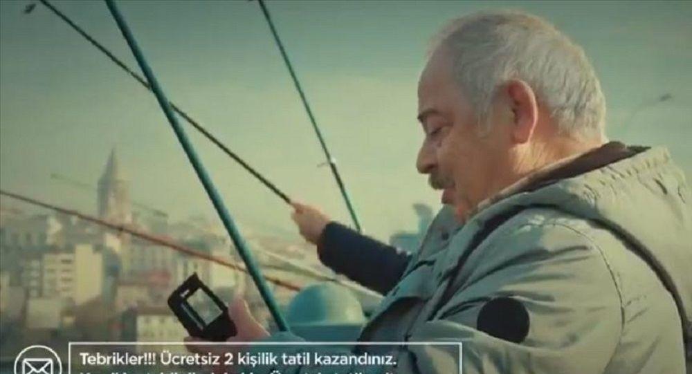 İçişleri Bakanlığı'ndan Metin Şentürk'lü kamu spotu: Bu kadar basit oltaya gelme