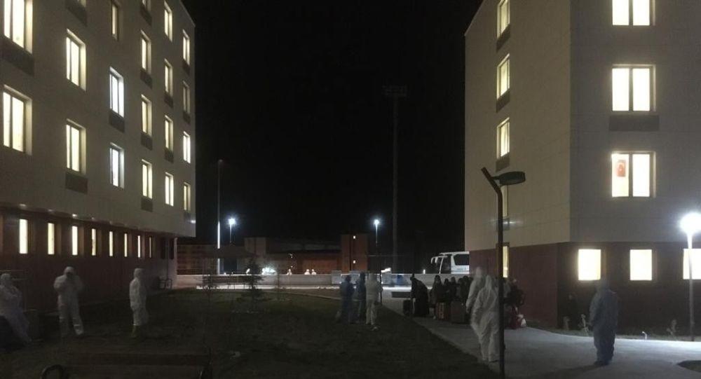 Kuzey Kıbrıs'tan gelen 170 öğrenci ve şoför Niğde'de karantinaya alındı