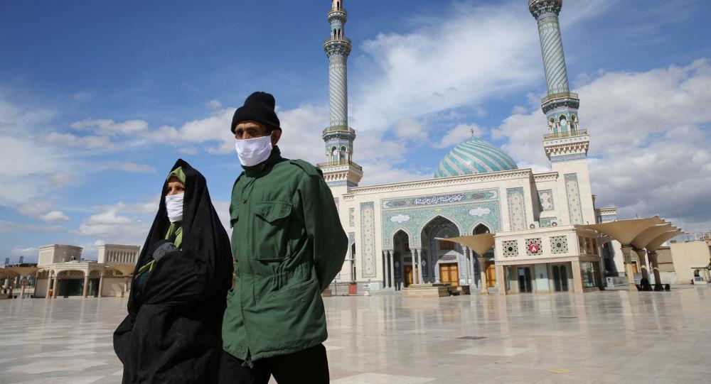 Koronavirüs salgınına karşı mücadele veren İran'dan görüntüler