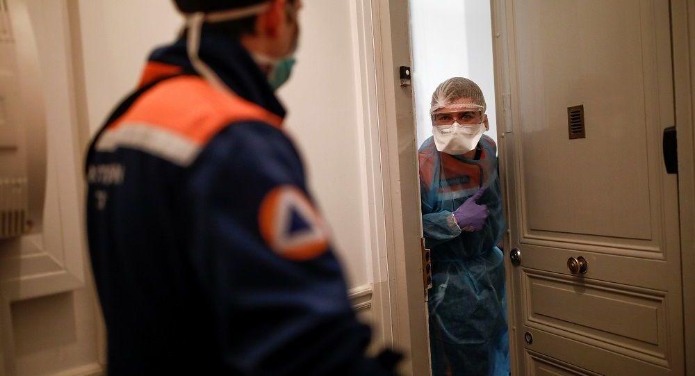 Rus uzman: Kovid-19 tedavisinden sonra bulaşıcılık bir ay boyunca devam ediyor