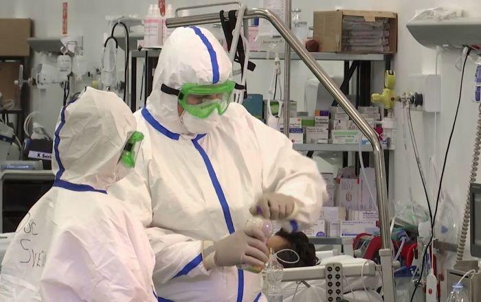 Rus ve Türk doktorlar Kovid-19 için Azerbaycan'da