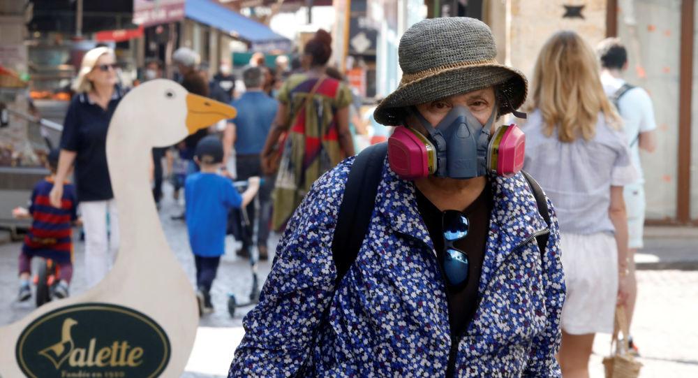Fransa'da koronavirüsten son 24 saatte 389 kişi yaşamını yitirdi