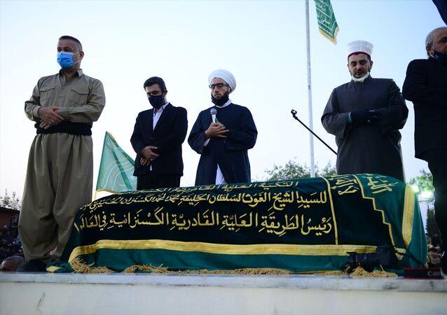 Irak'taki Kadiri tarikatı lideri Şeyh Muhammed Kesnezani, Süleymaniye kentinde düzenlenen dini törenle defnedildi