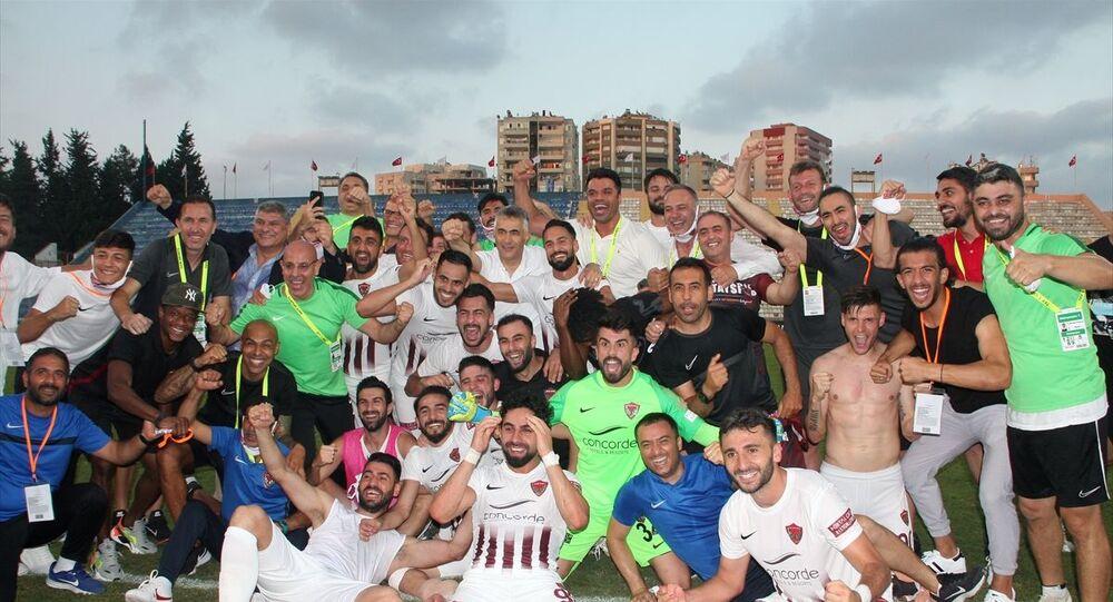 Adanaspor'u 2-1 yenen Hatayspor, normal sezonun bitimine 1 hafta kala şampiyon olarak Süper Lig'e çıkmayı garantiledi