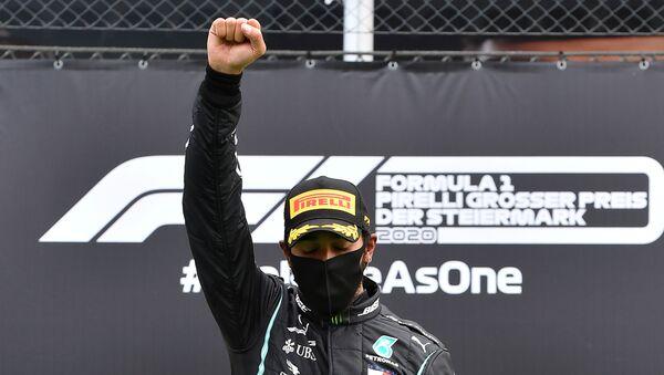 Formula 1-Mercedes takımının Büyük Britanyalı sürücüsü Lewis Hamilton - Sputnik Türkiye
