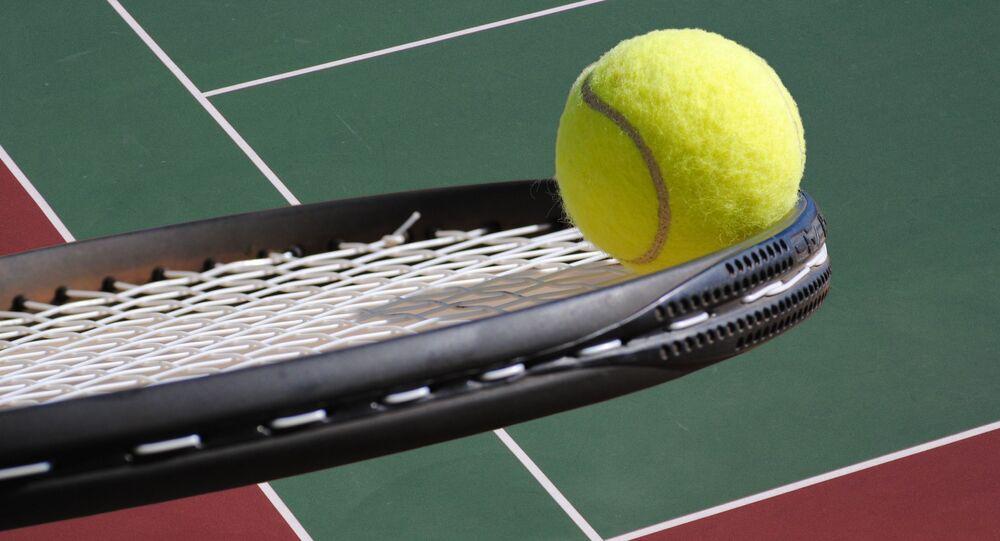 tenis-raket-tenis topu