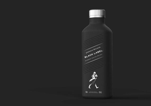 Diageo'den karton şişede Johnnie Walker tanıtımı