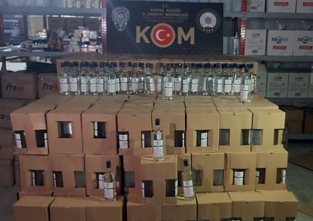 Adana'da 2 bin 140 litre kaçak etil alkol ele geçirildi