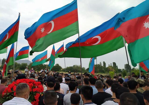 Azerbaycan, bayrak, Ermenistan ile çatışma sonrası cenaze töreni