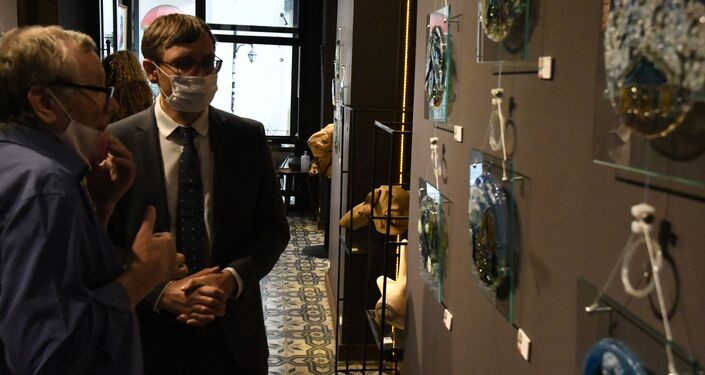Serginin açılışına Rusya Federasyonu İstanbul Başkonsolosluğu Konsolos Müsteşarı Dmitriy Evdokimov da katıldı