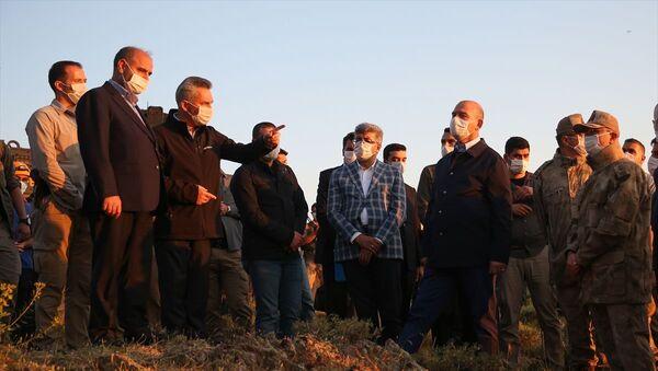 İçişleri Bakanı Soylu: Van'da keşif uçağı düştü, 2'si pilot 7 emniyet mensubu şehit oldu - Sputnik Türkiye