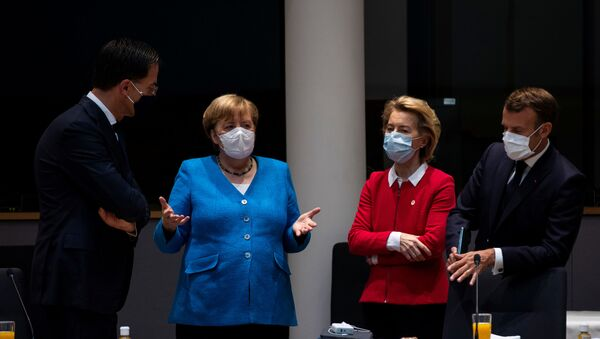 AB Liderler Zirvesi-Hollanda Başbakanı Mark Rutte, Almanya Başbakanı Angela Merkel, AB Komisyonu Başkanı  Ursula von der Leyen ve Fransa Cumhurbaşkanı Emmanuel Macron - Sputnik Türkiye