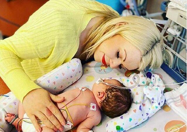 Hamile olduğunu bilmeyen İngiliz kadın 7 km koştuktan sonra doğurdu