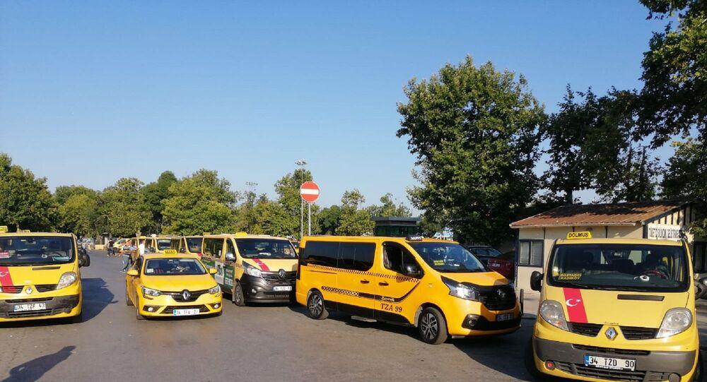Taksi dolmuş şoförlerinden İBB önünde eylem - Sputnik Türkiye