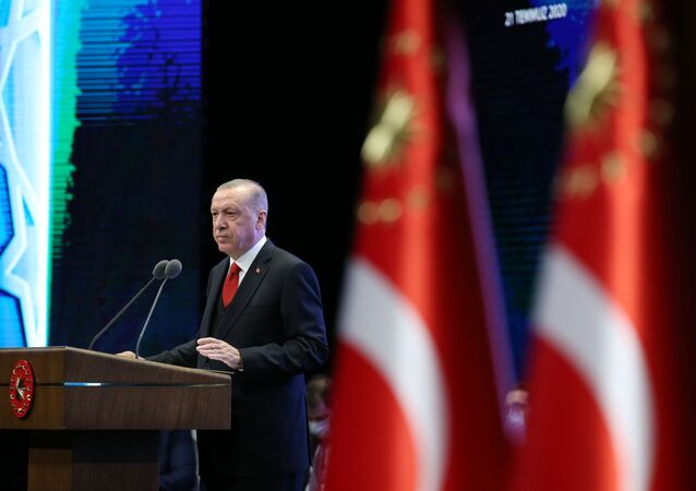 Türkiye Cumhurbaşkanı Recep Tayyip Erdoğan, Beştepe Millet Kongre ve Kültür Merkezi'nde Cumhurbaşkanlığı Hükümet Kabinesi İki Yıllık Değerlendirme Toplantısına iştirak ederek konuşma yaptı.