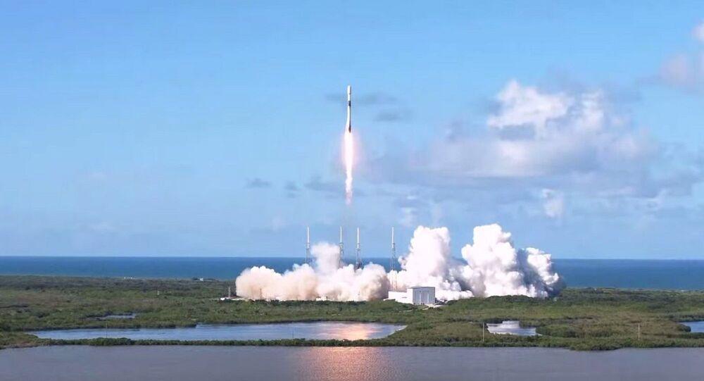 ABD'li roket ve uzay mekiği üreticisi SpaceX, Güney Kore'ye ait askeri iletişim uydusunu uzaya yolladı.