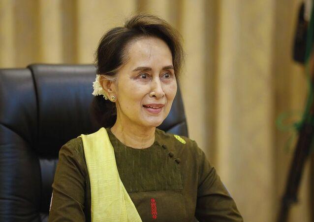 Myanmar Dışişleri Bakanı ve Devlet Başkanlığından Sorumlu Devlet Bakanı Aung San Suu Kyi