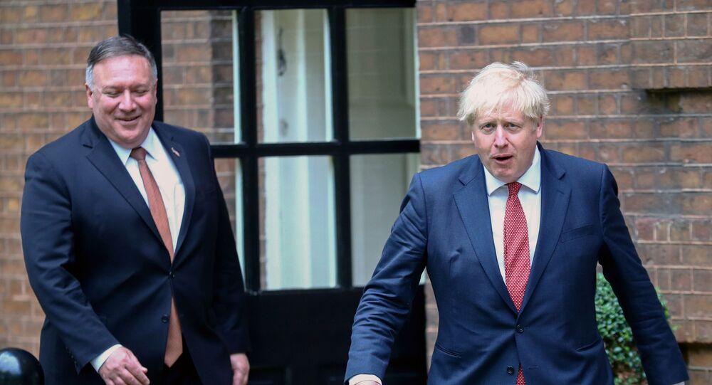 Mike Pompeo ile Boris Johnson, Downing Sokağı 10 Numara'da görüşürken