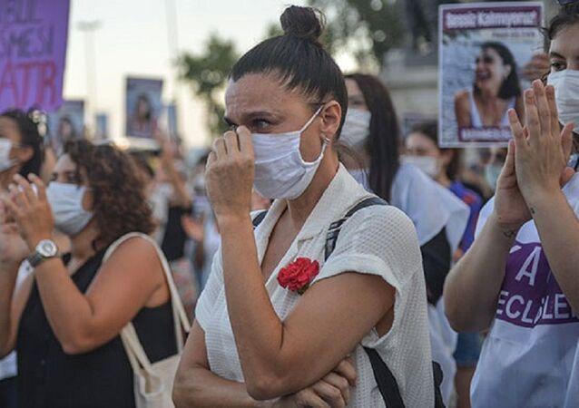 İstanbul'da Pınar Gültekin eylemi