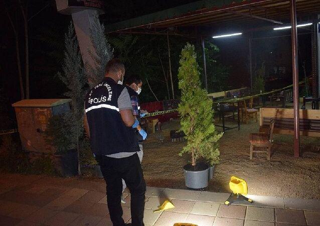 Çay ocağında oturanlara motosikletten ateş açıldı: 1 ölü, 2 yaralı