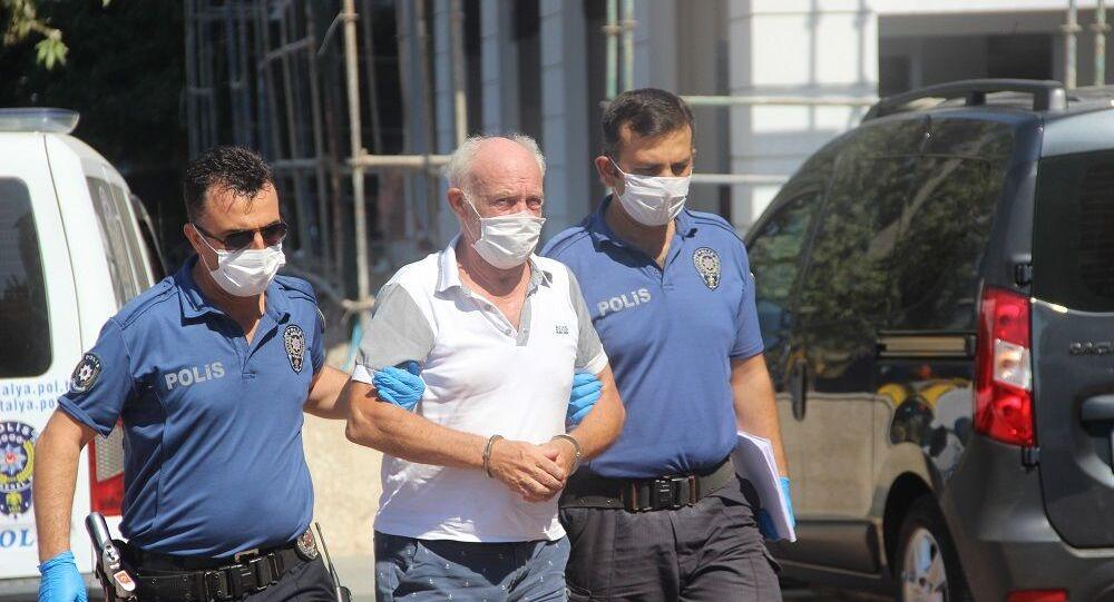 Antalya'da Hollanda uyruklu 68 yaşındaki adam 13 yaşındaki çocuğa cinsel istismardan tutuklandı