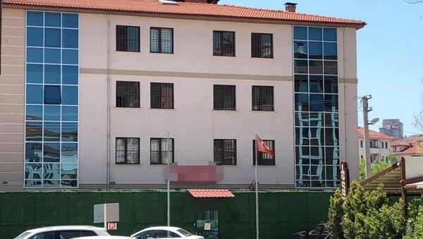 Bakım merkezinde cinayet iddiası: Yatalak hastayı tazyikli suyla öldürdüler - Sputnik Türkiye