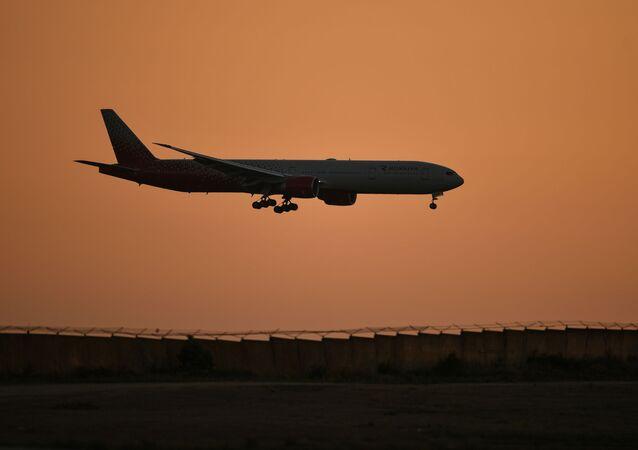 Uçak, Simferopol Uluslararası Havalimanı